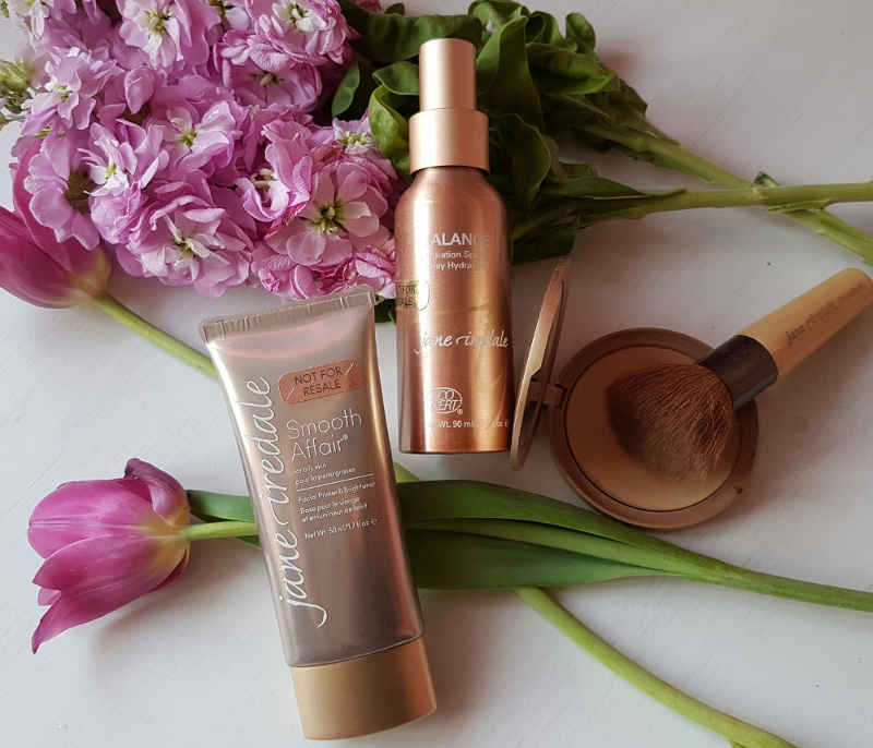 Jane Iredale Pure Pressed Base Appplication